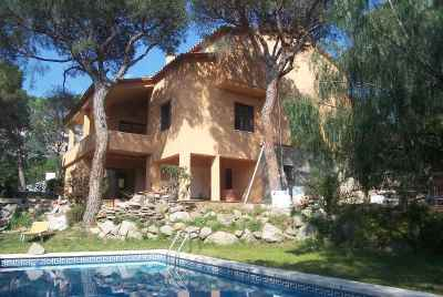 New house with pool close to the sea in Maresme  Coast